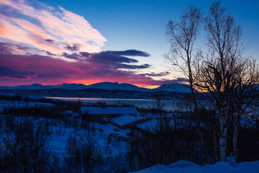 Il sole tramonta su L'aurora boreale Tromso (Norvegia 2017)