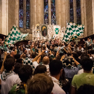 Festeggiamenti all'interno del Duomo (Arezzo 2009)